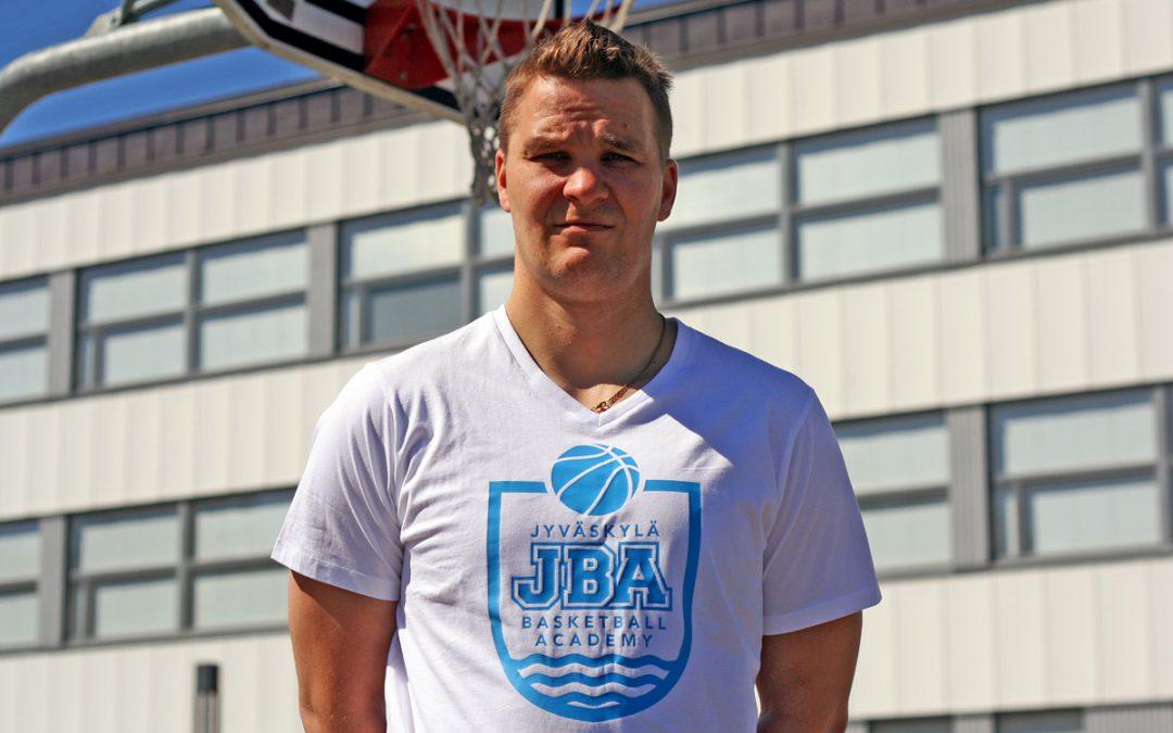 Mikko Tupamäestä JBA:n päävalmentaja